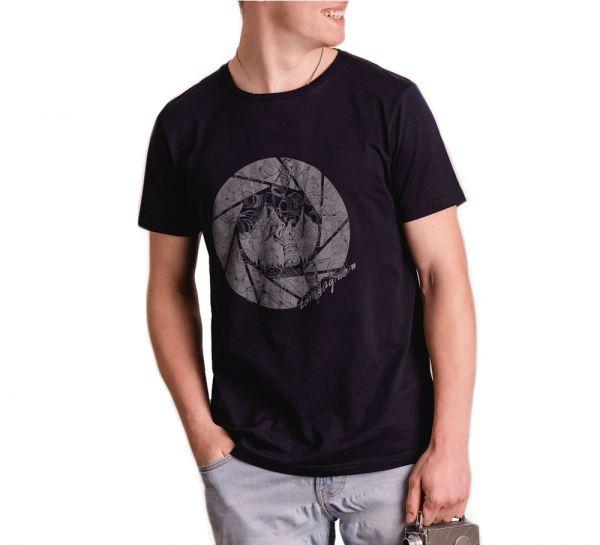 'the shirt' f/2.8